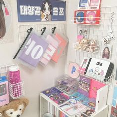 ⋮𝙙𝙤𝙧𝙠𝙮𝙡𝙪𝙫 Army Room Decor, Bedroom Decor, Ideas Decorar Habitacion, Army Bedroom, Cute Room Ideas, Kawaii Room, Desk Inspiration, Aesthetic Room Decor, Room Goals