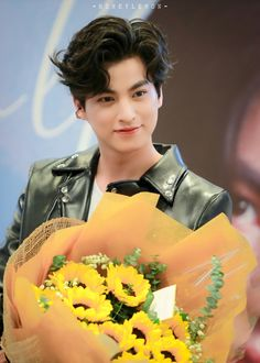 I Fall In Love, My Love, Cute Boy Photo, Jang Hyuk, Cute Gay Couples, My Little Baby, Boy Photos, Asian Actors, Foto Bts