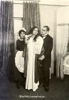 http://www.teatterimuseo.fi/voimanvuodet/nayttelijat/nayttelijat_2/isot/kamelianainen_1922_1.jpg