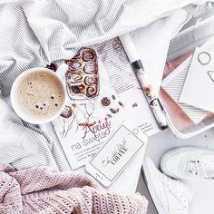 """But first coffee... Have a wonderful Sunday folks!A w najnowszym numerze """"M jak mieszkanie"""" moje zdjęcie #clubc@reebokclassicpolska"""