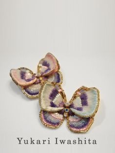 -- Stunning wedding jewelry and accessories of beads and sequins. These butterflies are tiny sequins! Tambour Beading, Tambour Embroidery, Couture Embroidery, Beaded Embroidery, Embroidery Designs, Art Du Fil, Lesage, Gold Work, Bead Art