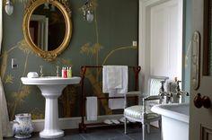 bathroom wallpaper - Balfour Castle