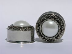 Classic Silver and Pearl Wedding Plugs 00 Gauge 7/16 1/2 9/16 3/4 7/8 Inch 10mm 11mm 13mm 14mm 19mm 22mm