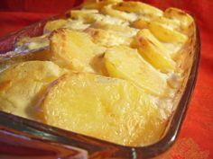 Reteta culinara Cartofi frantuzesti din categoria Aperitive / Garnituri. Specific Romania. Cum sa faci Cartofi frantuzesti Wine Recipes, Snack Recipes, Cooking Recipes, Snacks, Tasty, Yummy Food, Camembert Cheese, French Toast, Chips