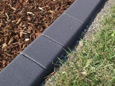 Plastic Garden Edging Ideas increase the beauty of your lawn by adding garden edging that works well with the style Cheap Landscape Edging Ideas