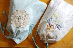 "Blogger says - ""I made these bread bags. Quite simple, theyre basically a drawstring bag out of linen fabric - breathable, but tight. The measurements worked out so that a vintage tea towel - with the sides trimmed off for using as a drawstring - was the perfect size.   So far, I think its really working. I put these inside my bread box, and they stay a little bit fresher, a little bit longer."""