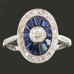 Bague de fiancailles Art Deco sertie saphir bleu diamant platine