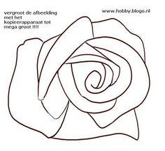 mega grote roos tekenen en schilderen