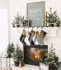 Are you searching for ideas for farmhouse christmas decor? Check out the post right here for cool farmhouse christmas decor inspiration. This amazing farmhouse christmas decor ideas will look totally excellent. Diy Christmas Fireplace, Farmhouse Christmas Decor, Christmas Mantels, Noel Christmas, Rustic Christmas, Farmhouse Decor, Christmas Christmas, Christmas Greenery, Woodland Christmas