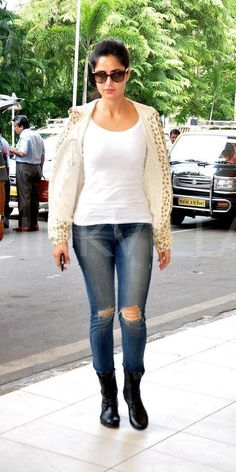 Ripped jeans: 90s look is back in fashion! | Indian Movie ...