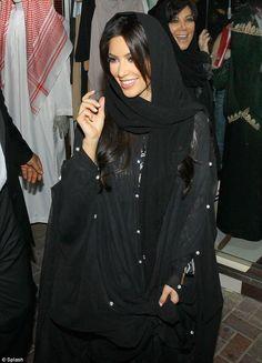 Kim Kardashian in Abaya - http://kaftan2012.com/kim-kardashian-in-abaya/