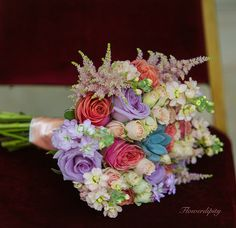 Colorful bouquet #wedding #flowers #bouquet #bride #godmother #colorful #happy #flowerdipity #event