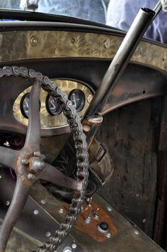 Motorcycle chain steering wheel, double barrel shotgun shifter, shell brass accents, too cool! Perfect for a Rat Rod! Rat Rod Cars, Automobile, Steampunk, Pt Cruiser, Vintage Design, Old Trucks, Dually Trucks, Dodge Trucks, Diesel Trucks