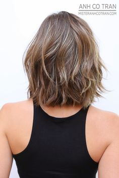 I wish I could effortlessly make my hair do something like this but it's way too curly. -a // orig: I like this cut just a little longer and the color is great.
