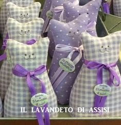 Lavender Crafts, Lavender Bags, Lavender Sachets, Diy Craft Projects, Sewing Projects, Scented Sachets, Free Motion Embroidery, Cat Quilt, Cat Crafts