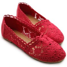 Spiffy you look with this lace mesh ballet flat shoes.