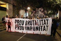 Varios miles de manifestantes protestan por la actuación de los Mossos en el Raval