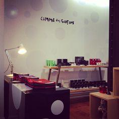 COMME des GARÇONS Corner - Downtown, FABRIC. #COMME des GARÇONS #thisisFABRIC Comme Des Garcons, Turntable, Corner, Fabric, Tejido, Fabrics, Tejidos