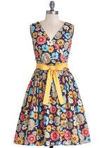 In the Key of Chic Dress in Floral | Mod Retro Vintage Dresses | ModCloth.com