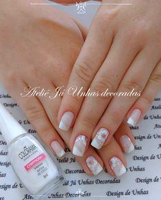 As melhores unhas brancas decoradas de sempre Spring Nails, Pretty Nails, Nail Designs, Nail Art, Beauty, Pedicures, Suzy, Bridal Nail Design, Short Nails Art