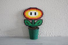 Fleur Mario power up en perles à repasser Flower beads Hama Mario, Diy Fleur, Art Graphique, Perler Beads, Flower Power, Up, Happiness, Animation, Homemade
