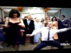 HIMYM barney and robin dancing