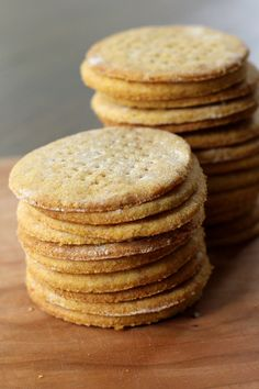Cheddar and polenta crackers - anything with cheese...