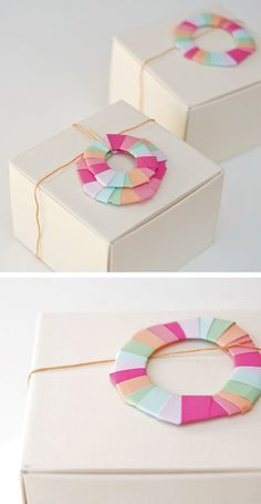 Bright paper wreaths  #christmas giftwrap  #D.I.Y.