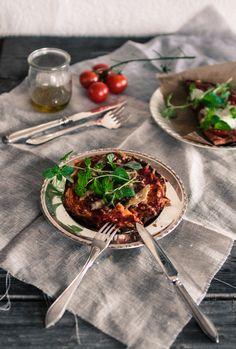 kikhernejauhot. Lempipizzani ovat hyvin yksinkertaisia: tomaattikastike ja mozzarellaa tai tomaattikastike ja anjoviksia. Päätin kokeilla tänään molempia. Jummi, ettäContinue Reading
