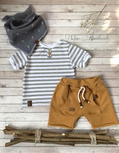 What a dreamy boho children's clothing set Source by Boys Summer Outfits, Little Boy Outfits, Toddler Boy Outfits, Toddler Boys, Teen Boys, Baby Boy Outfits Newborn, Boho Baby Clothes, Summer Clothes, Baby Overall