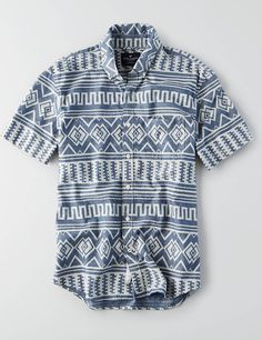 Sharpen up your summer look with our new collection of short-sleeve button downs. Outfits For Big Men, Casual Shirts For Men, Cool Outfits, Summer Outfits, Mens Printed Shirts, Big Men Fashion, Mens Outfitters, Summer Shirts, Look Cool