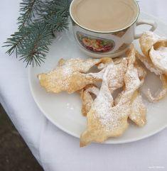 ogrody babilonu: faworki Lucyny Ćwierczakiewiczowej Gingerbread Cookies, Desserts, Food, Ginger Cookies, Postres, Deserts, Hoods, Meals, Dessert