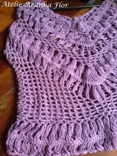 Blusa lilás em croche de grampo