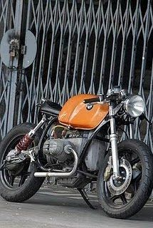 Cafe BMW. well done.  #CafeRacer #BMW #TonUp