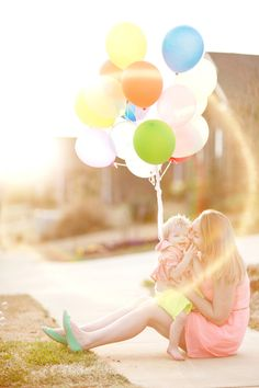 Mommy and her princess pic Neon Birthday, Birthday Balloons, 2nd Birthday Parties, Girl Birthday, Birthday Ideas, Birthday Photography, Family Photography, Maternity Photography, 2nd Birthday Pictures