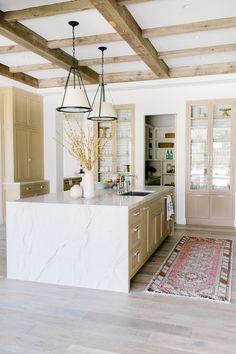 Kitchen Kit, Kitchen Trends, Kitchen Cabinets, Kitchen Counters, Kitchen Ideas, Farmhouse Interior, Modern Farmhouse Kitchens, White Oak Kitchen, Glazed Brick
