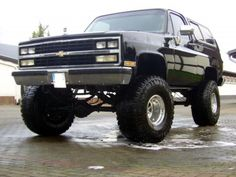 I quite enjoy this color selection for this %%KEYWORD%% Chevy K10, C10 Chevy Truck, Lifted Chevy, Chevrolet Tahoe, Gm Trucks, Diesel Trucks, Lifted Trucks, Cool Trucks, Pickup Trucks