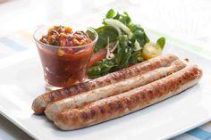 Kiełbaska z grilla z ostrym sosem. #kiełbasa #curry #papryka #ogórek #smacznastrona #grill #grillowanie #tesco #przepisy #przepis