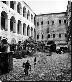Eminönü / Büyük Yeni Han - 1936  (Fotoğraf : N. V. Artamonoff)