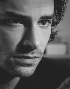 Gosh, I'm obsessed with this beautiful man. After watching several episodes of Being Human, gah! Marry me, Aidan Turner <3