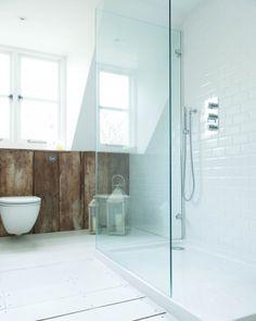 White/wood/modern/bathroom