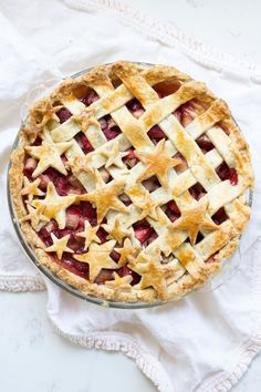 Patriotic Strawberry Rhubarb Pie @freutcake