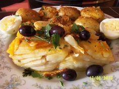 Portuguese Fried Cod Recipe - Portuguese Recipes - Food Recipes from Portugal Fried Cod Recipes, Fish Recipes, Seafood Recipes, Cooking Recipes, Healthy Recipes, Fish Dishes, Seafood Dishes, Bacalhau Recipes, Cod Fish