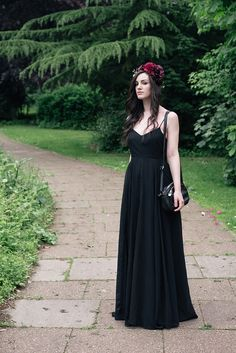 Black Wedding / FAIIINT.com #darkstyle #allblackeverything #goth