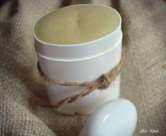 Déodorant naturel DIY***Fonctionne pour les hommes qui travaillent fort aussi!*** Rendement: environ 100 ml (un contenant de 80 ml plus une petite portion) Ingrédients - ¼ de tasse de fécule d'arrow...