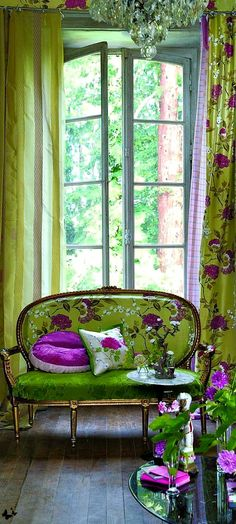 Sitting Pretty   The House of Beccaria. Via @houseofbeccaria. #homedecor #patternplay