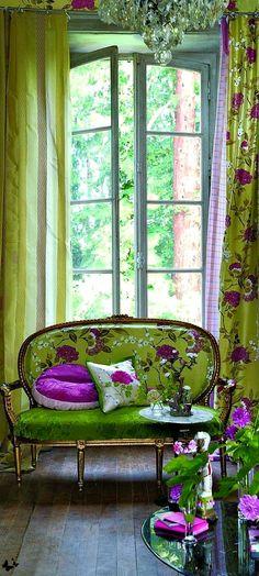Sitting Pretty | The House of Beccaria. Via @houseofbeccaria. #homedecor #patternplay