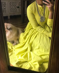 I need to find this dress! Indian Gowns, Indian Attire, Indian Wear, Kurta Designs Women, Blouse Designs, Indian Wedding Outfits, Indian Outfits, Casual Indian Fashion, Indian Designer Suits