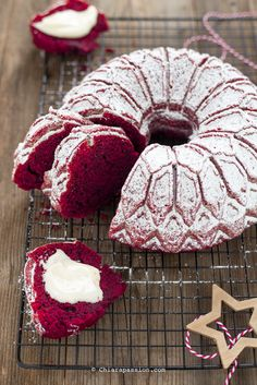 Torte Cake, Cake & Co, Donut Recipes, Dessert Recipes, Desserts, Cake Recipes, Red Velvet Bundt Cake, Sweet Corner, Buzzfeed Tasty
