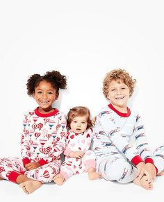 Loved by kids all over the world, our legendary organic knit and smooth seaming surround them in extra-comfy first layer softness.
